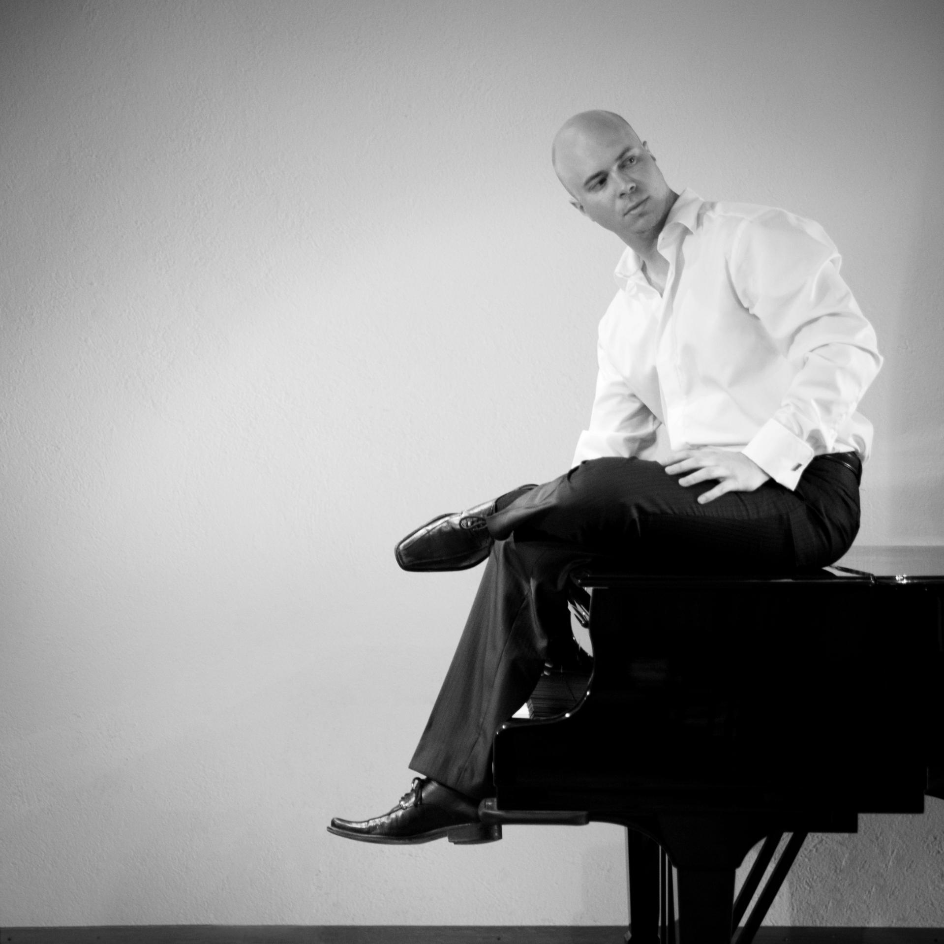 Christian Chamorel, pianist
