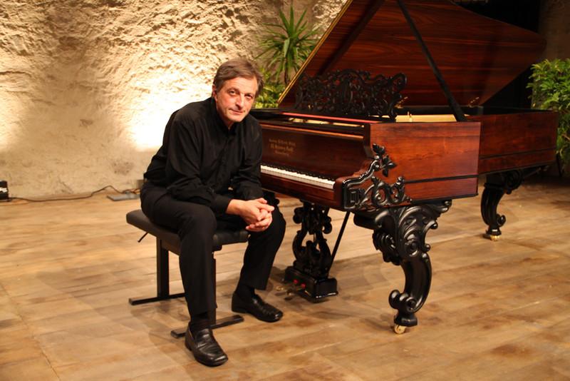 Cyril Huvé, Pianist