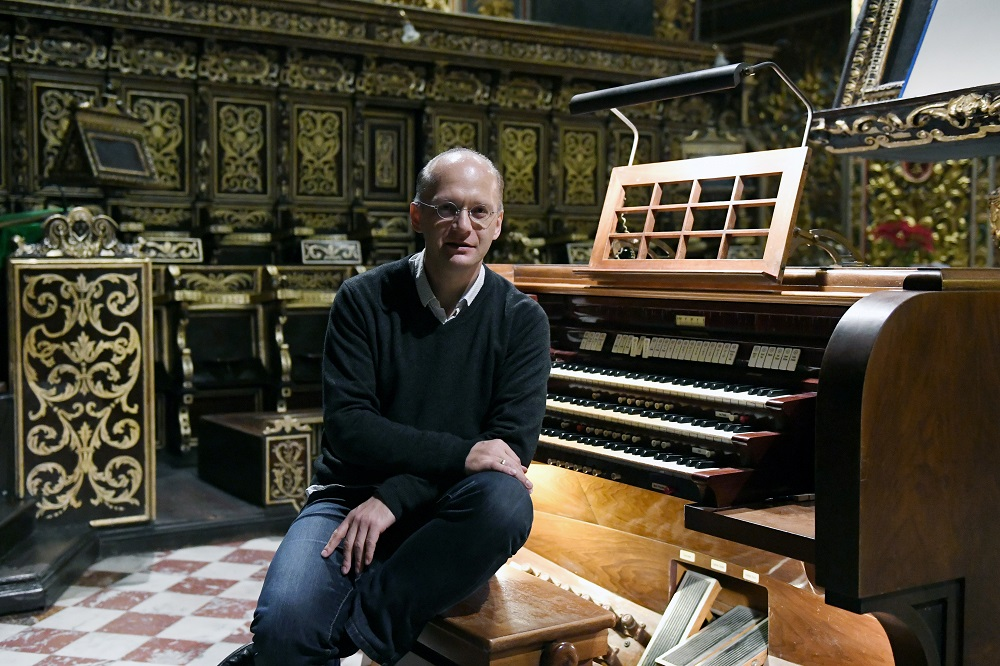 Hansjörg Albrecht, Dirigent und Organist